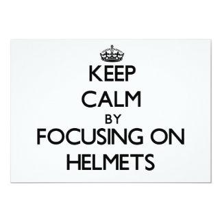 """Guarde la calma centrándose en cascos invitación 5"""" x 7"""""""