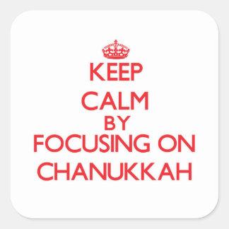 Guarde la calma centrándose en Chanukkah Pegatina Cuadrada