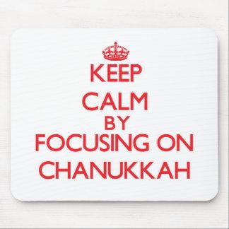 Guarde la calma centrándose en Chanukkah Tapete De Ratón