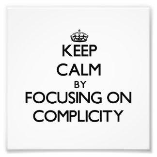 Guarde la calma centrándose en complicidad cojinete