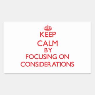 Guarde la calma centrándose en consideraciones rectangular altavoces