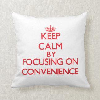 Guarde la calma centrándose en conveniencia almohada