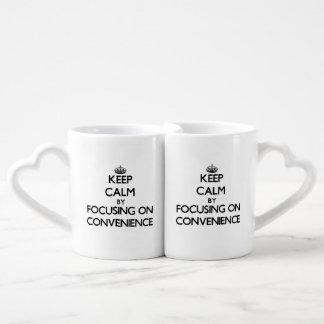 Guarde la calma centrándose en conveniencia taza para enamorados