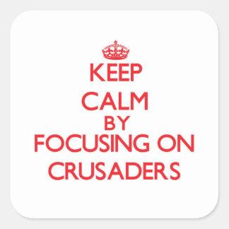Guarde la calma centrándose en cruzados calcomanía cuadradas personalizadas