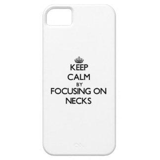 Guarde la calma centrándose en cuellos iPhone 5 protectores