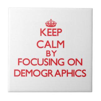 Guarde la calma centrándose en datos demográficos azulejos ceramicos