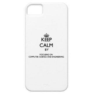 Guarde la calma centrándose en de informática y iPhone 5 Case-Mate protector