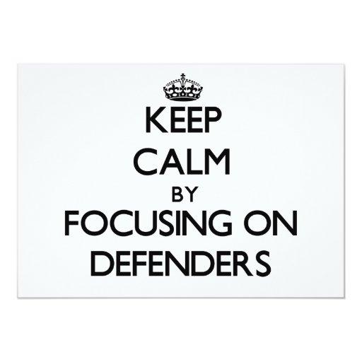 Guarde la calma centrándose en defensores invitación personalizada