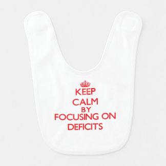 Guarde la calma centrándose en déficits babero de bebé