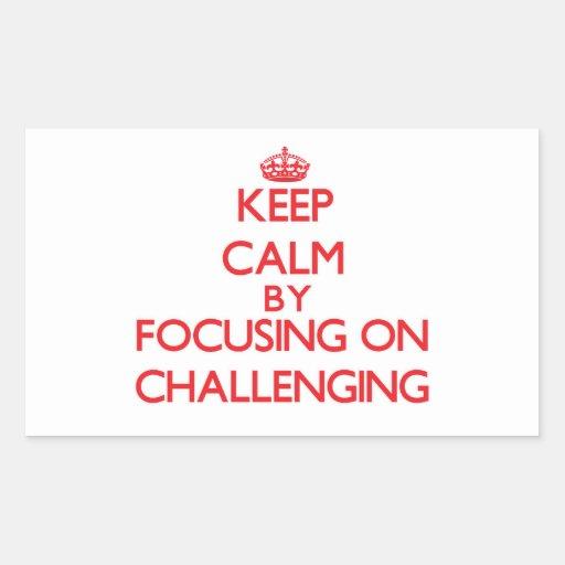 Guarde la calma centrándose en desafiar rectangular altavoces