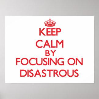 Guarde la calma centrándose en desastroso poster