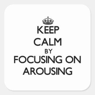 Guarde la calma centrándose en despertar calcomania cuadrada personalizada