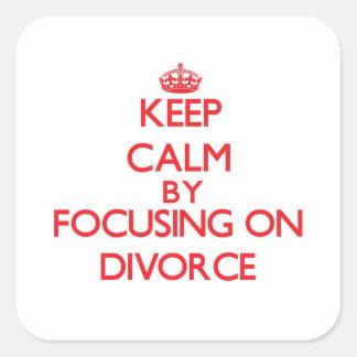 Guarde la calma centrándose en divorcio pegatina cuadrada
