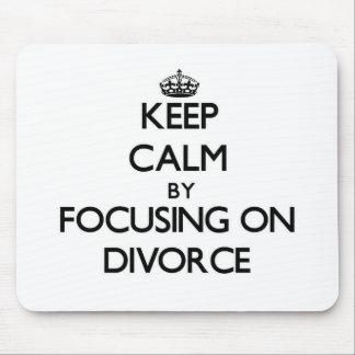 Guarde la calma centrándose en divorcio