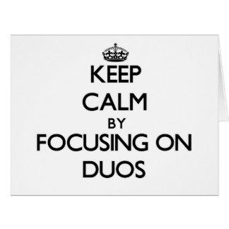Guarde la calma centrándose en dúos tarjeton