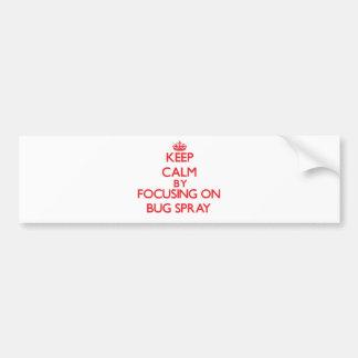 Guarde la calma centrándose en el aerosol de etiqueta de parachoque