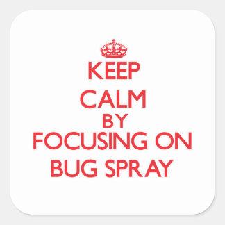 Guarde la calma centrándose en el aerosol de pegatina cuadradas personalizada