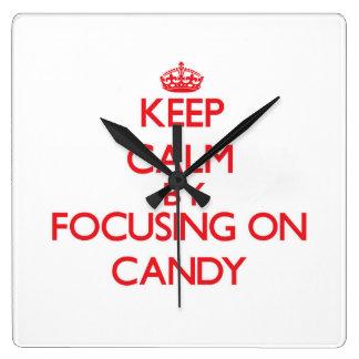 Guarde la calma centrándose en el caramelo relojes