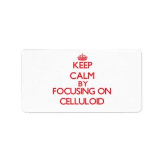 Guarde la calma centrándose en el celuloide etiqueta de dirección