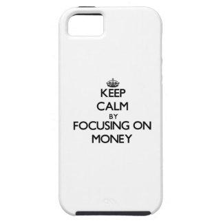 Guarde la calma centrándose en el dinero iPhone 5 Case-Mate cobertura