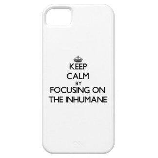 Guarde la calma centrándose en el inhumano iPhone 5 cárcasas