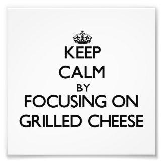 Guarde la calma centrándose en el queso Grilled Fotografía
