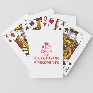 Guarde la calma centrándose en enmiendas baraja de póquer