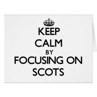 Guarde la calma centrándose en escocés tarjeton