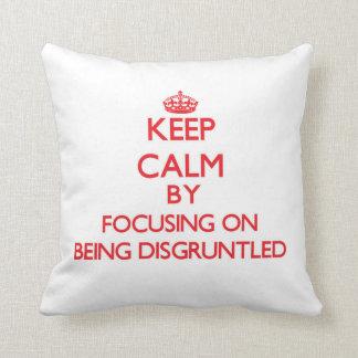 Guarde la calma centrándose en estar contrariedad cojines