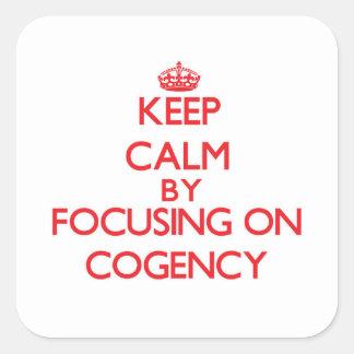 Guarde la calma centrándose en fuerza lógica calcomanías cuadradass