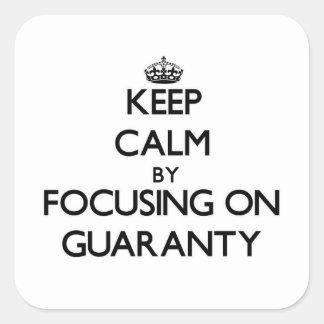Guarde la calma centrándose en garantía calcomania cuadradas personalizadas