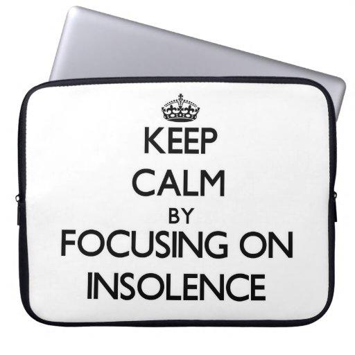 Guarde la calma centrándose en insolencia funda ordendadores