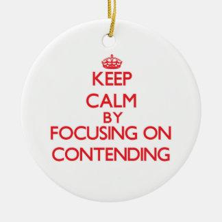 Guarde la calma centrándose en la afirmación adornos