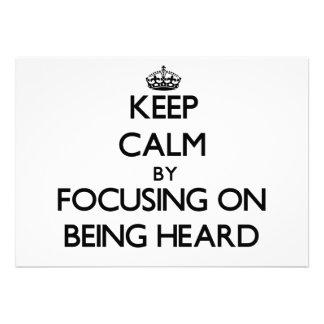 Guarde la calma centrándose en la audición