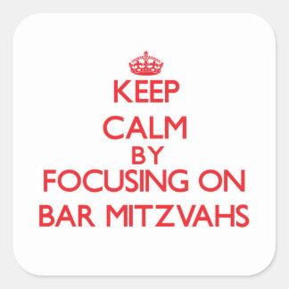 Guarde la calma centrándose en la barra Mitzvahs Pegatina Cuadrada