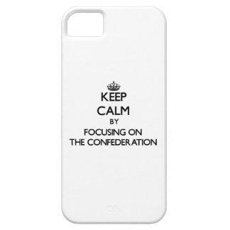 Guarde la calma centrándose en la confederación iPhone 5 Case-Mate cárcasa