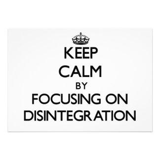 Guarde la calma centrándose en la desintegración invitacion personal