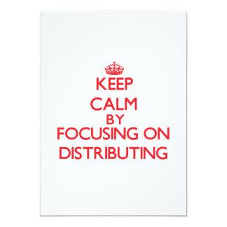Guarde la calma centrándose en la distribución invitación 12,7 x 17,8 cm