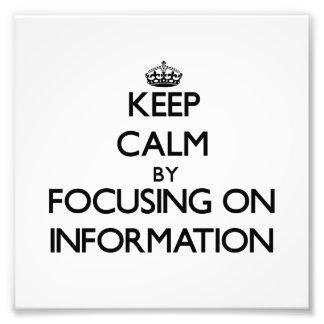 Guarde la calma centrándose en la información cojinete