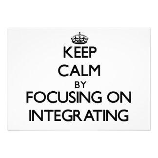 Guarde la calma centrándose en la integración anuncio