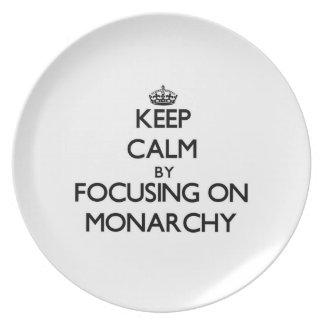 Guarde la calma centrándose en la monarquía