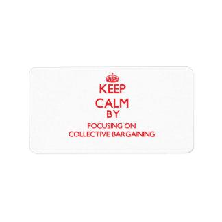 Guarde la calma centrándose en la negociación etiquetas de dirección
