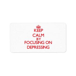 Guarde la calma centrándose en la presión etiquetas de dirección