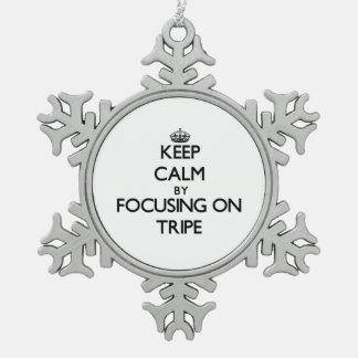 Guarde la calma centrándose en la tripa adornos
