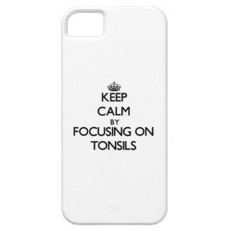 Guarde la calma centrándose en las amígdalas iPhone 5 cárcasa