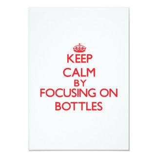 """Guarde la calma centrándose en las botellas invitación 3.5"""" x 5"""""""
