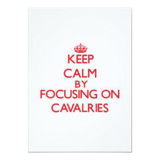 """Guarde la calma centrándose en las caballerías invitación 5"""" x 7"""""""