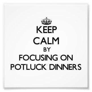 Guarde la calma centrándose en las cenas de Potluc Fotografias