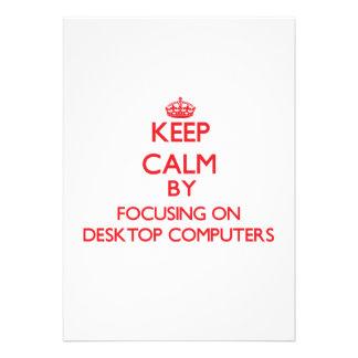 Guarde la calma centrándose en las computadoras de invitacion personalizada