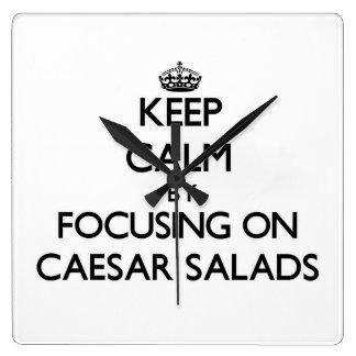 Guarde la calma centrándose en las ensaladas César